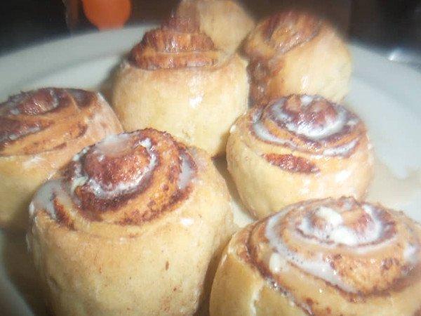 Receta de rollos de canela (cinnamon rolls)